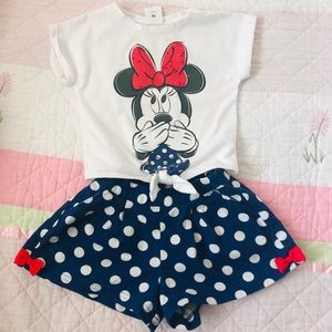 💕 Disney Store Outfit Tee & Shorts Minnie Mouse